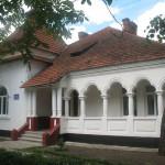 """Адміністративний будинок національного природного парку """"Хотинський"""""""